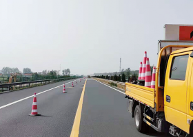 高速交通划线施工